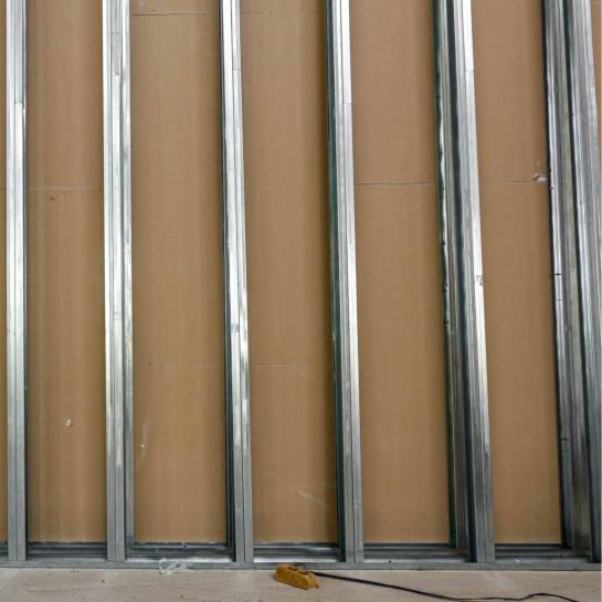 Trennwand mit Unterkonstruktion aus Metall bauen