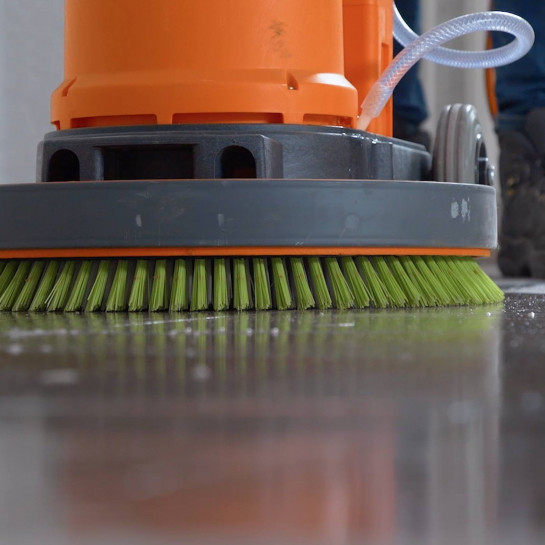 Bodenfliesenpflege